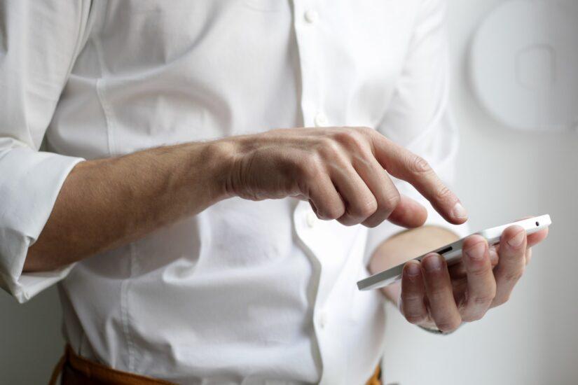 În 2021, foarte important este să-ți adaptezi promovarea la telefonul mobil